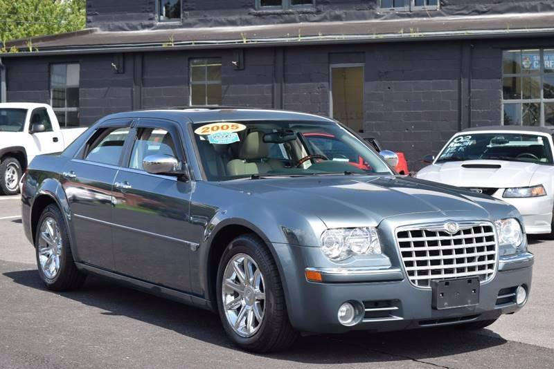 2005 Chrysler 300 C In Rensselaer, NY - Broadway Motor Car Inc.