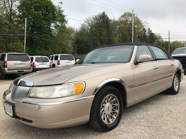 1998 Lincoln Town Car Signature 4dr Sedan In Uniontown Oh Prime