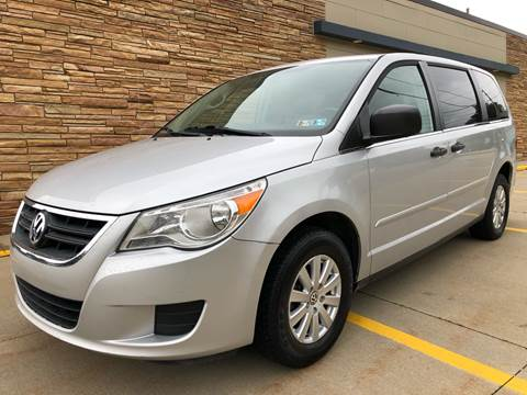2009 Volkswagen Routan for sale in Uniontown, OH