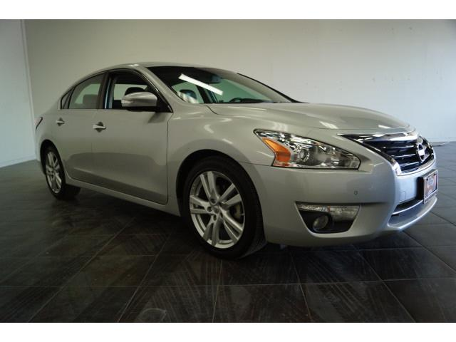 2015 Nissan Altima for sale at FREDY KIA USED CARS in Houston TX