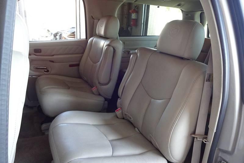 2005 Cadillac Escalade ESV AWD Platinum Edition 4dr SUV - Tucson AZ