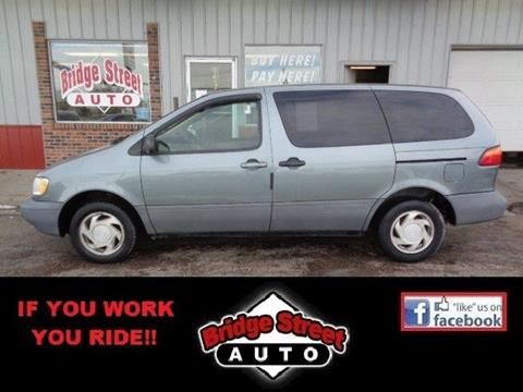 1998 Toyota Sienna for sale in Lexington, NE