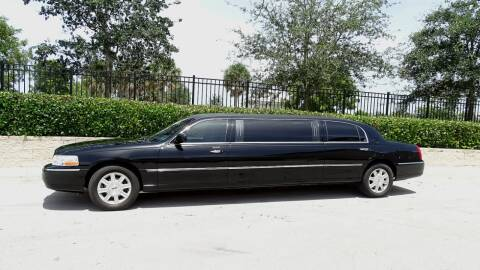 2008 Lincoln Town Car for sale at Premier Luxury Cars in Oakland Park FL