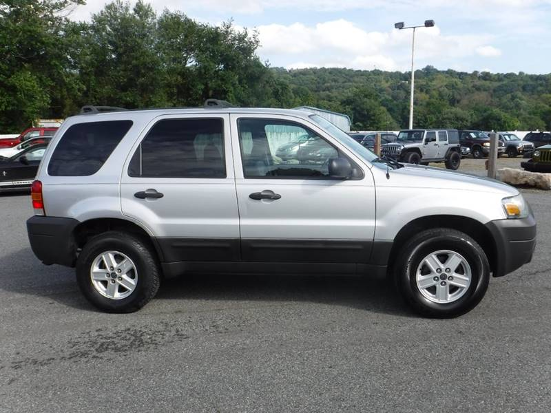 ford escape 2006 tires