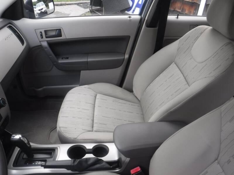 2009 Ford Focus SE 4dr Sedan - Hampton NJ