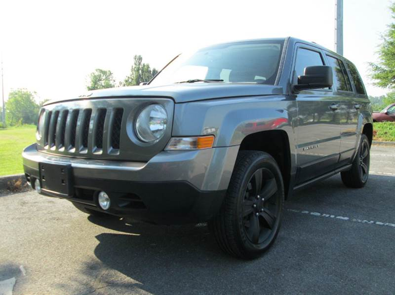 2011 JEEP PATRIOT LATITUDE 4X4 4DR SUV gray beautiful ride inside and out cold ac manual tr