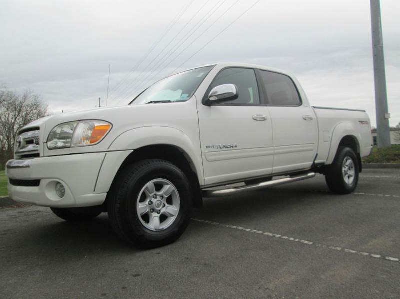 2006 TOYOTA TUNDRA SR5 4DR DOUBLE CAB 4WD SB 47L white a very very rare and very very clean whi