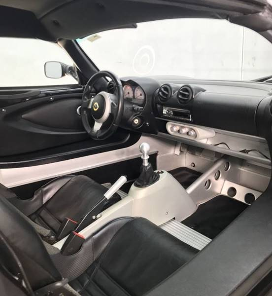 https://cdn04.carsforsale.com/3/424436/17609366/1014908127.jpg