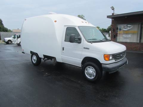 2006 Ford E-350 for sale at Key Motors in Mechanicville NY