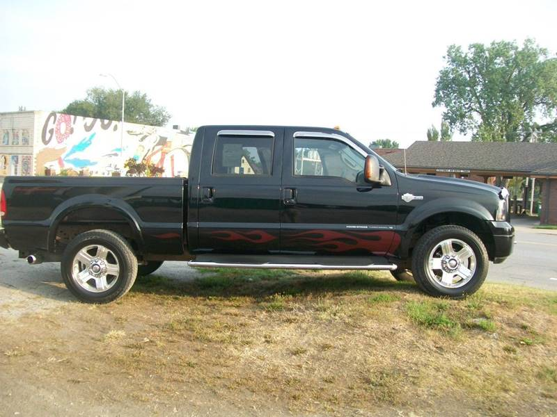 2005 Ford F-250 Super Duty 4dr Crew Cab Lariat 4WD SB - Creston IA
