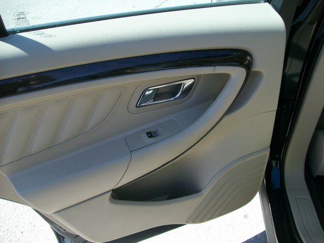 2015 Ford Taurus Limited 4dr Sedan - Creston IA