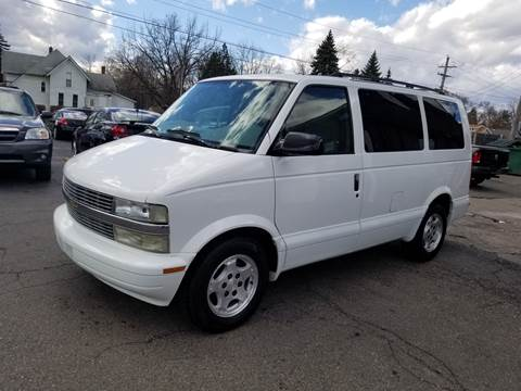 2004 Chevrolet Astro for sale at DALE'S AUTO INC in Mt Clemens MI