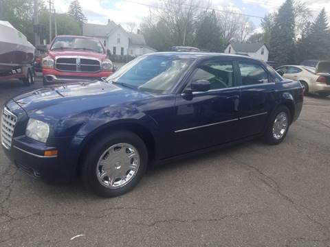 2006 Chrysler 300 for sale at DALE'S AUTO INC in Mt Clemens MI