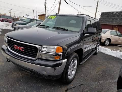 2004 GMC Yukon XL for sale at DALE'S AUTO INC in Mt Clemens MI
