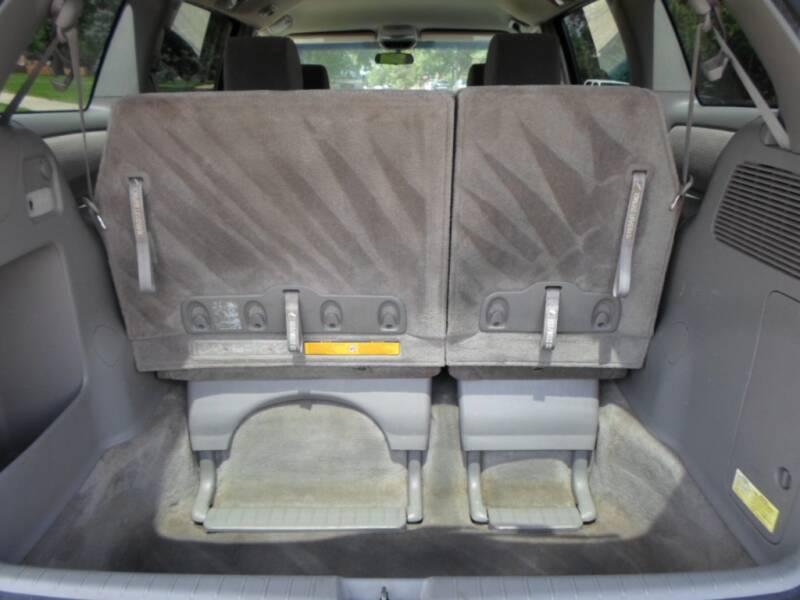 2008 Toyota Sienna LE 7-Passenger 4dr Mini-Van - Lakewood CO