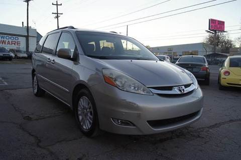 2007 Toyota Sienna for sale at Green Ride Inc in Nashville TN