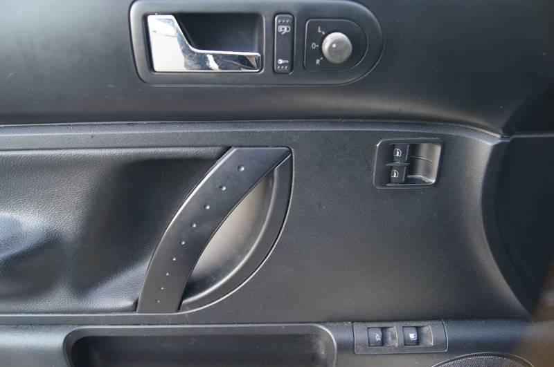 2009 Volkswagen New Beetle 2dr Hatchback 6A - Nashville TN