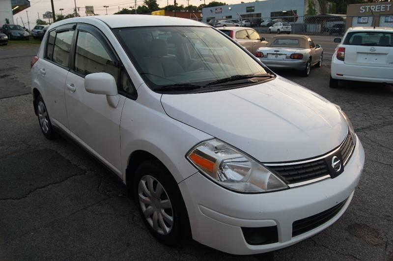 2009 Nissan Versa 1.8 S 4dr Hatchback 4A - Nashville TN