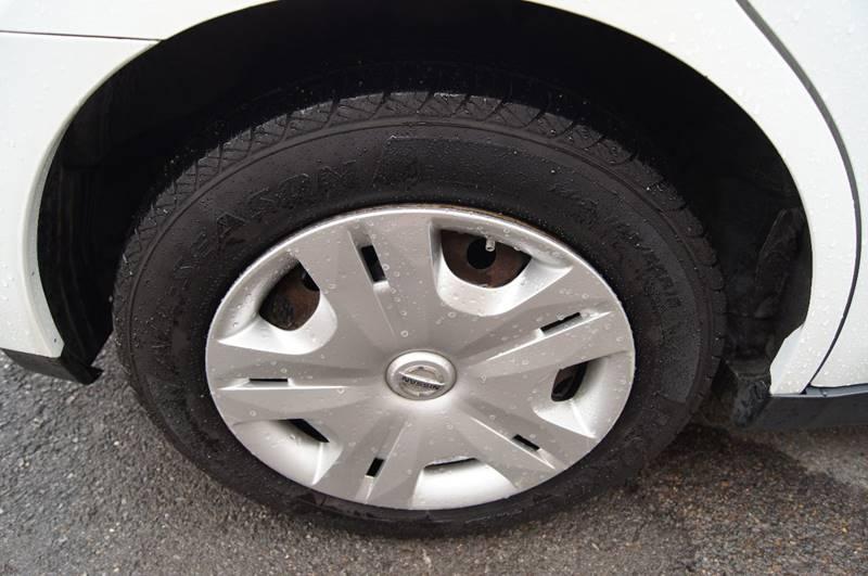 2010 Nissan Versa 1.8 S 4dr Hatchback 4A - Nashville TN