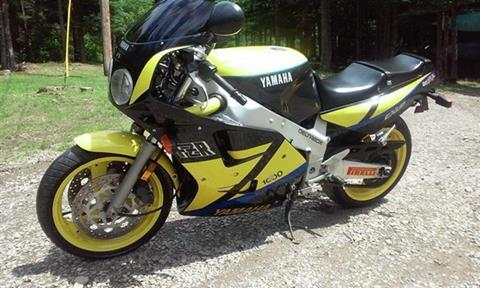 1990 Yamaha FZR 1000 for sale in Riverhead, NY