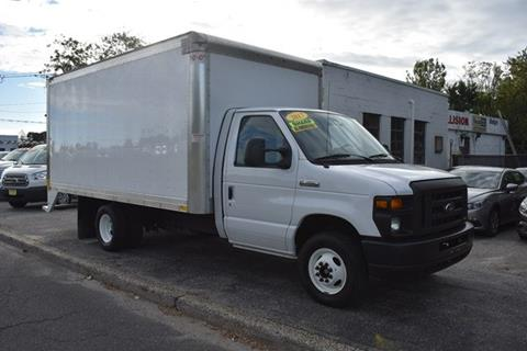 2017 Ford E-Series Chassis for sale in Riverhead, NY