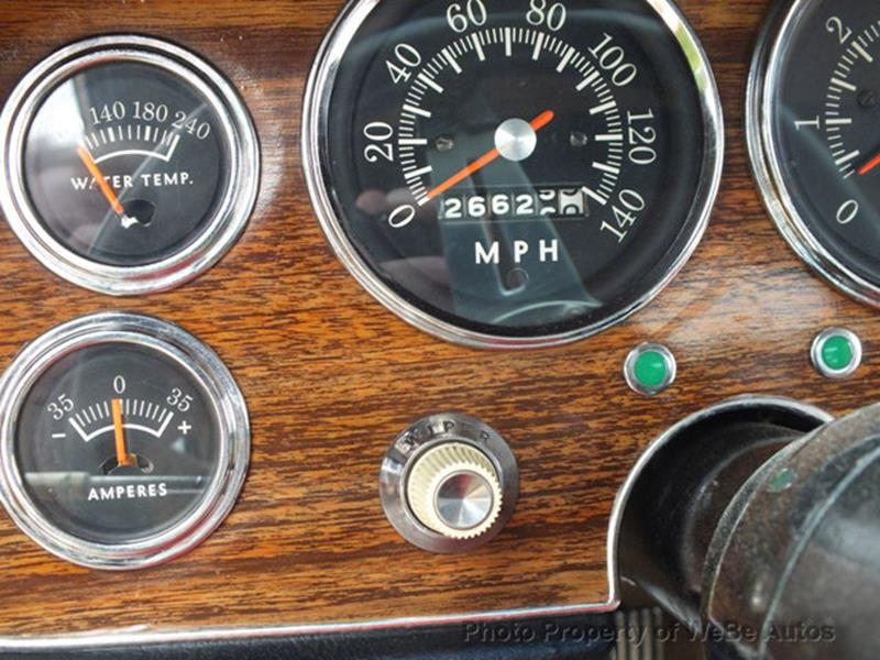 1963 Studebaker Avanti 38