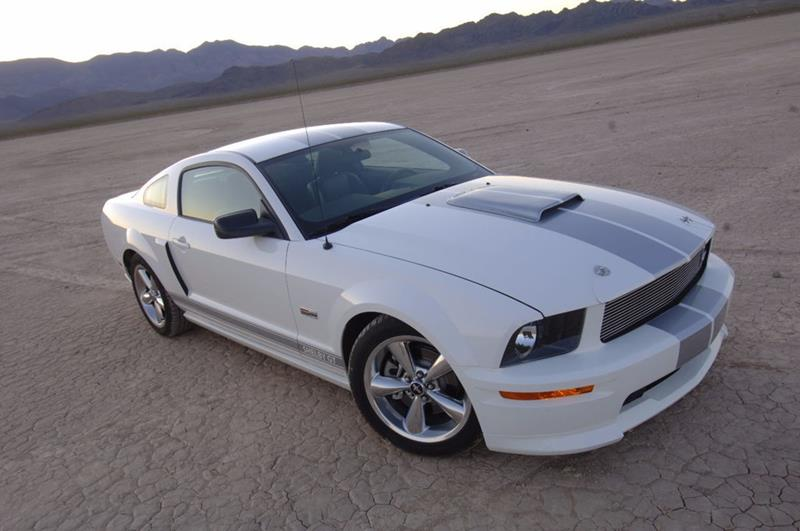 2007 Ford Mustang 17