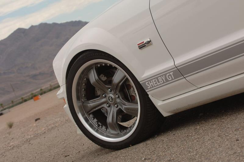 2007 Ford Mustang 11