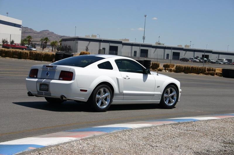 2007 Ford Mustang 43