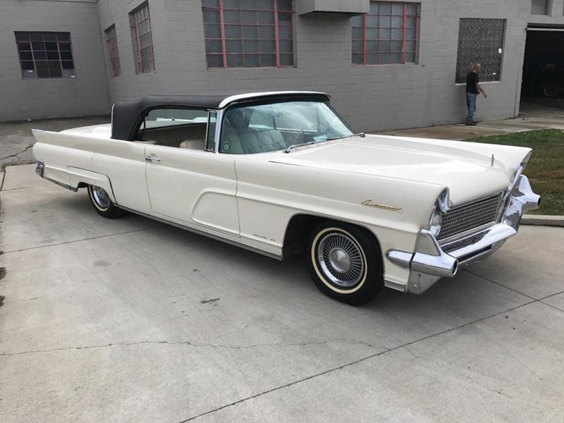 1959 Lincoln Continental 3