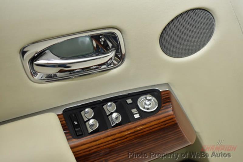 2009 Rolls-Royce Phantom Drophead Coupe 17