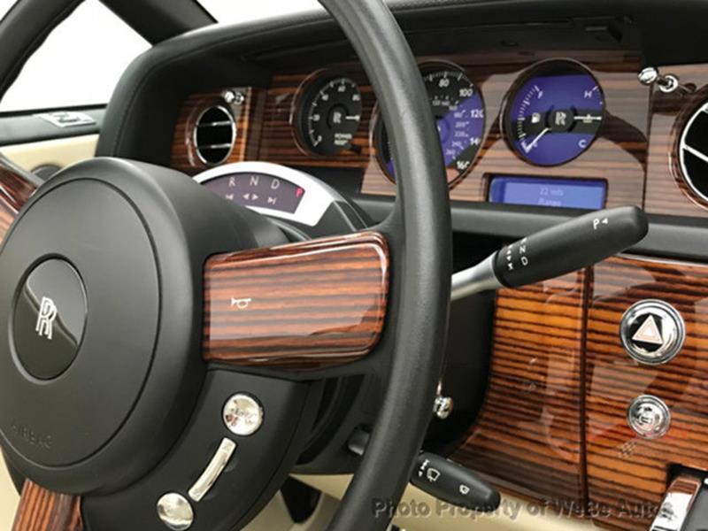 2009 Rolls-Royce Phantom Drophead Coupe 38