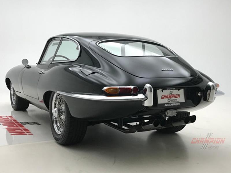 1964 Jaguar XK-Series 18