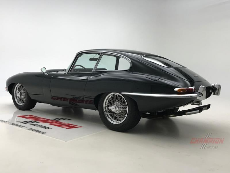1964 Jaguar XK-Series 19