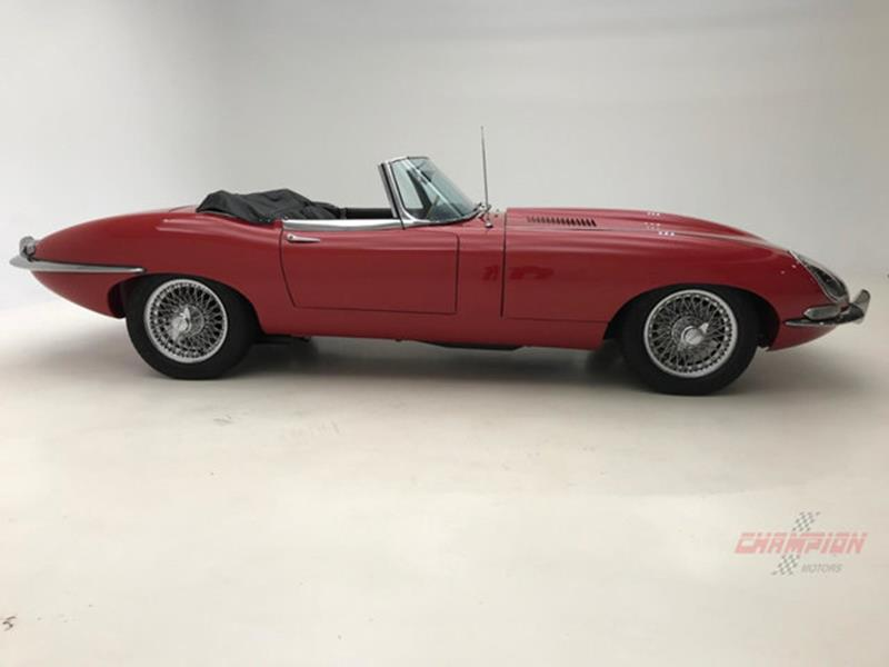 1967 Jaguar E Type Roadster 14