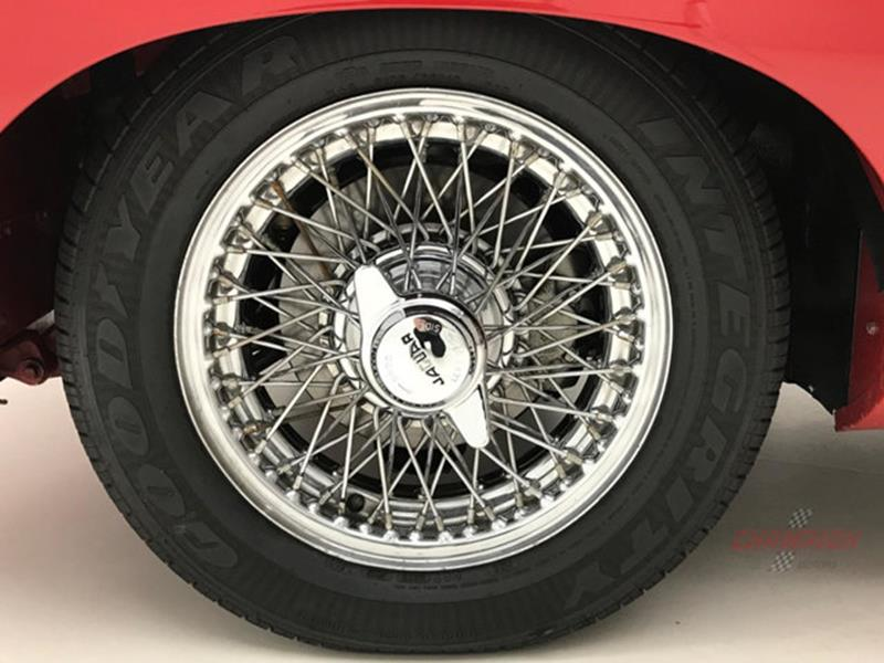 1967 Jaguar E Type Roadster 33