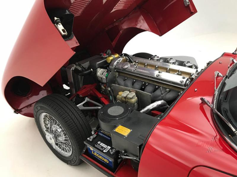 1967 Jaguar E Type Roadster 34
