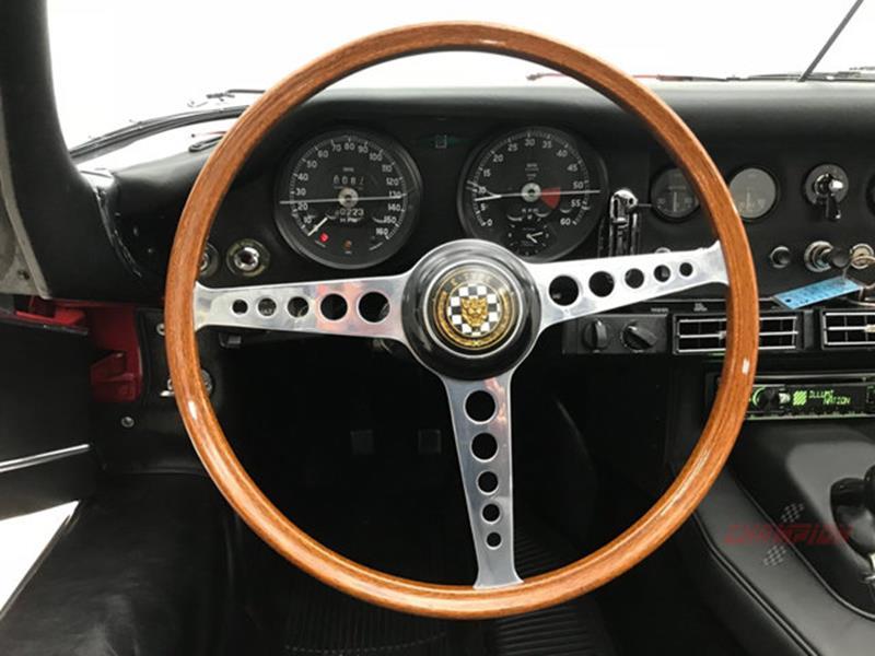1967 Jaguar E Type Roadster 22