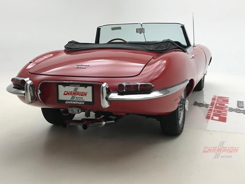 1967 Jaguar E Type Roadster 16