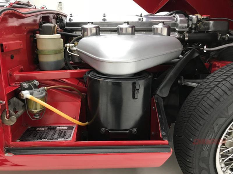 1967 Jaguar E Type Roadster 38