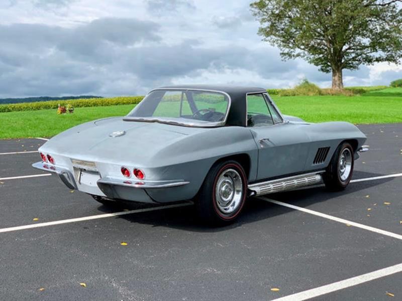 1967 Chevrolet Corvette 13
