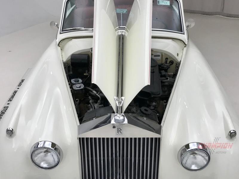 1961 Rolls-Royce Silver Cloud 3 38