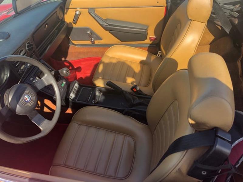 1987 Alfa Romeo Spider 38