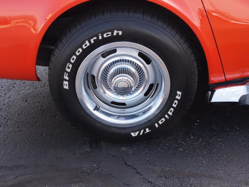 1968 Chevrolet Corvette 23