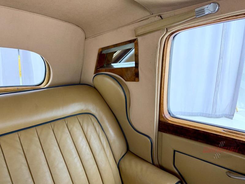 1953 Rolls-Royce Silver Dawn 31