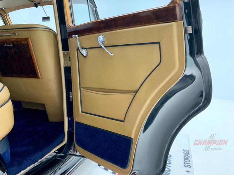 1953 Rolls-Royce Silver Dawn 36