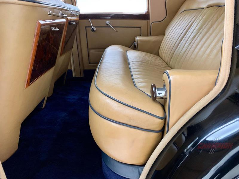 1953 Rolls-Royce Silver Dawn 38