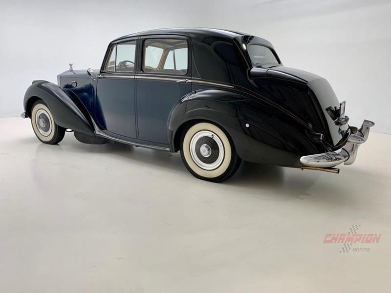 1953 Rolls-Royce Silver Dawn 12