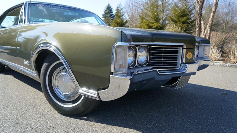 1968 Oldsmobile Delta Eighty-Eight 23
