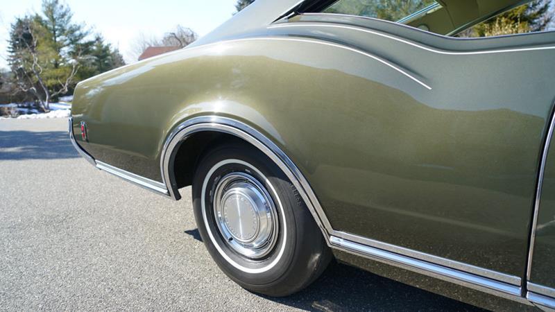 1968 Oldsmobile Delta Eighty-Eight 28